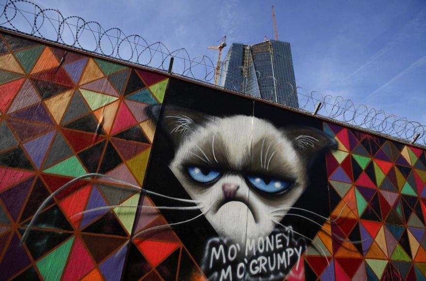 Graffiti prie Europos Centrinio Banko būstinės Frankfurte