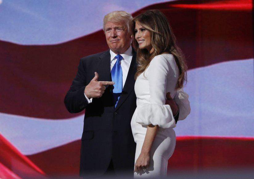 """""""Scanpix""""/AP nuotr./Donaldas Trumpas ir Melania Trump (2016 m.)"""