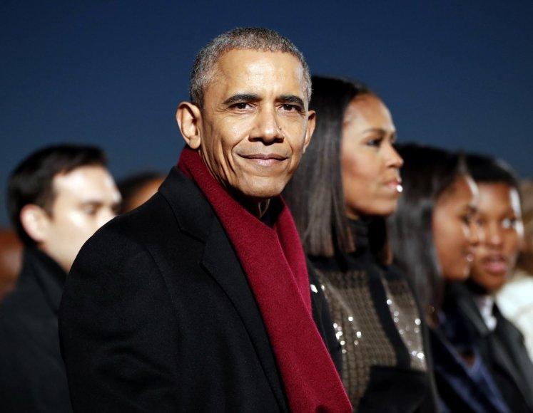 Obama paskutinį kartą įžiebė pagrindinę šalies Kalėdų eglę