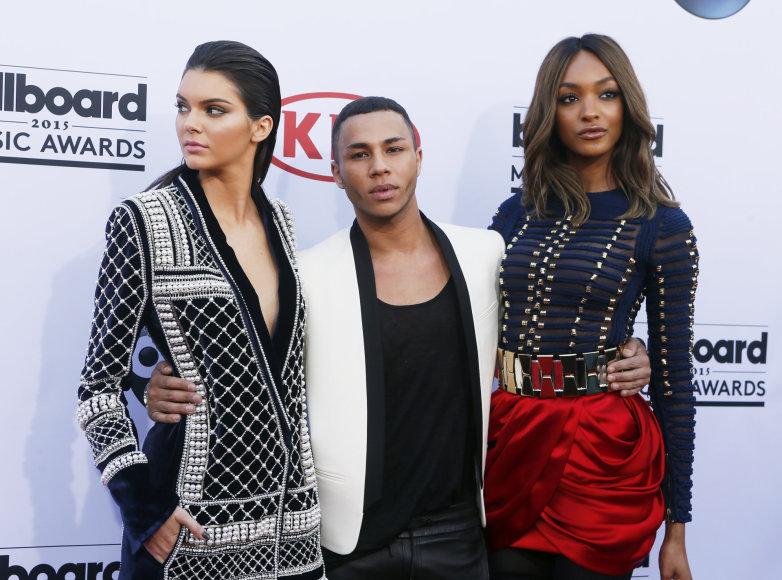 Dizaineris Olivieris Rousteingas su Jourdan Dunn ir Kendall Jenner