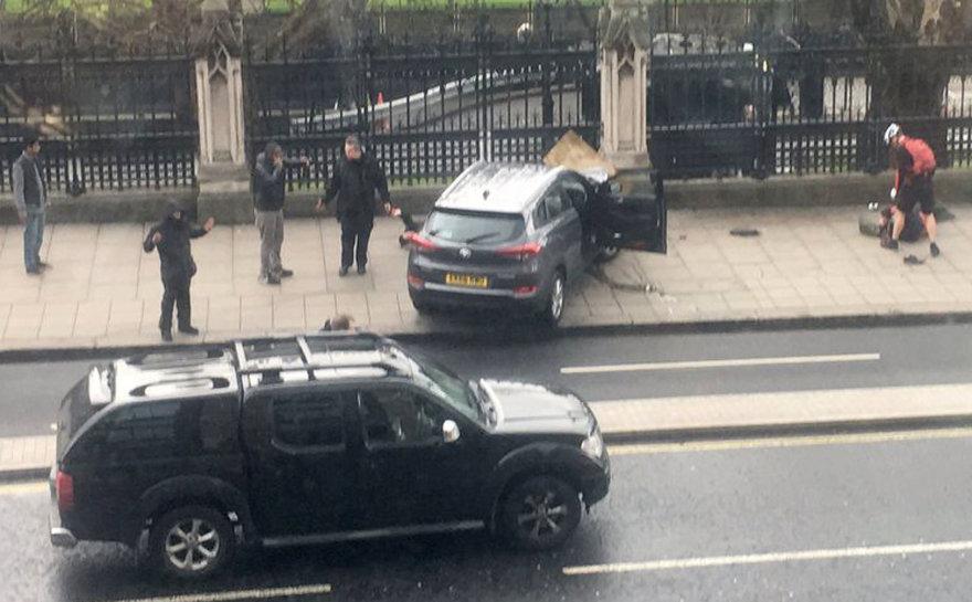 Automobilis, kuriuo užpuolikas traiškė žmones Londone
