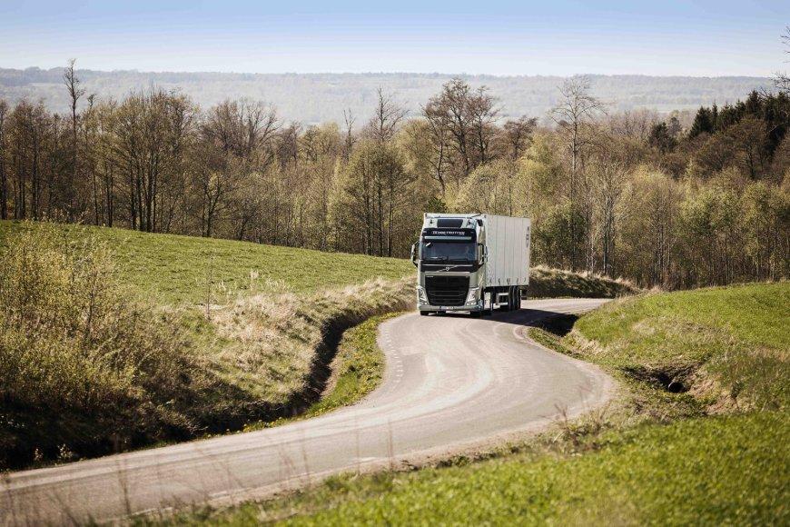 """""""Volvo"""" sunkvežimis"""