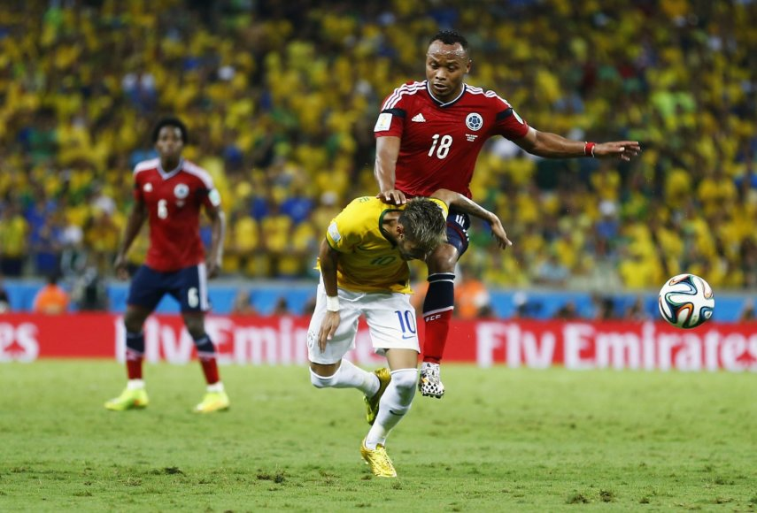 Camilo Zuniga ir Neymaro susidūrimas