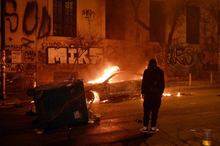 Protestuotojų siautėjimo Atėnuose padariniai