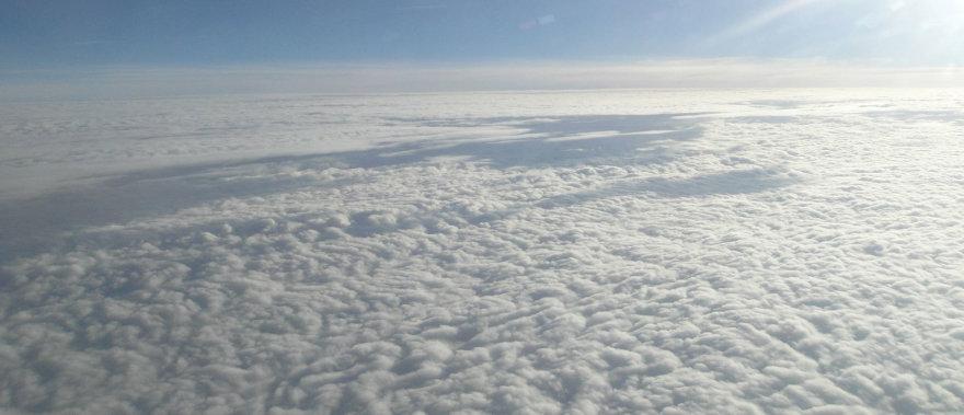 Skrydis virš debesų