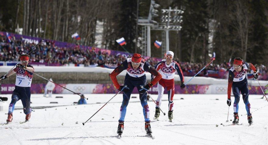 Rusijos slidinininkai kerta finišo liniją