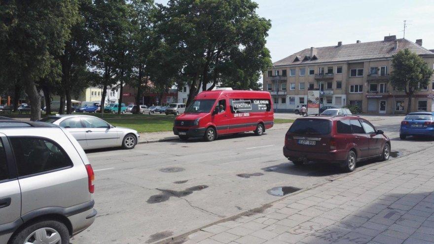 "Skaitytojo Tomo nuotr./""Vynotekos"" autobusas"
