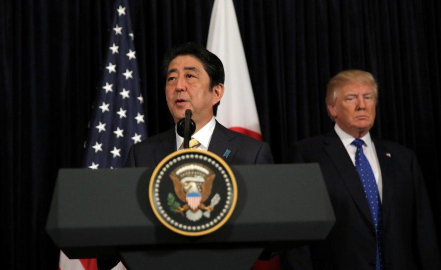 Shinzo Abe ir Donaldas Trumpas Vašingtone