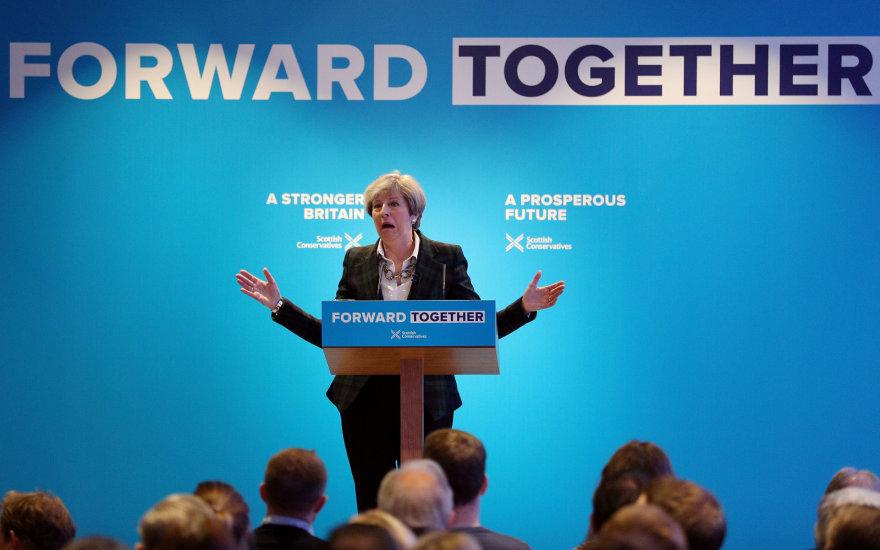 Theresa May pristato rinkimų programą