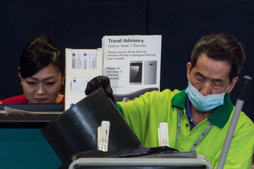 """Oro uostuose – įspėjimai dėl """"Samsung Galaxy Note 7"""" pavojingumo"""