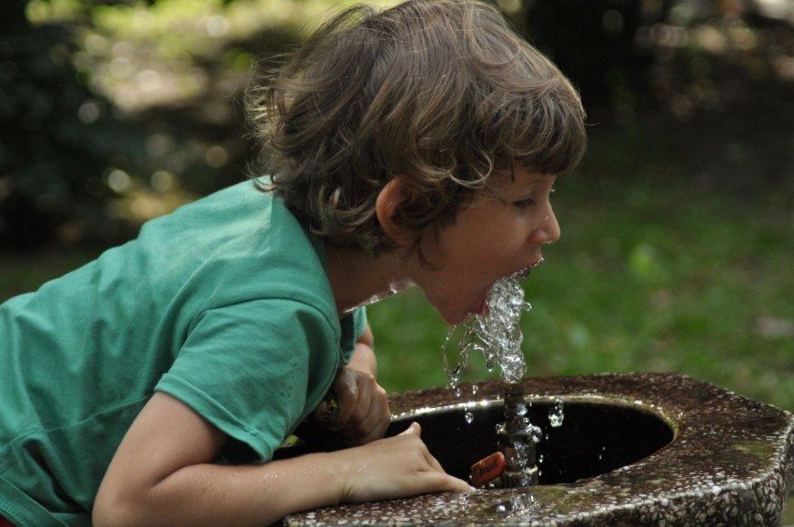 Be filtro - atsigaivink vandeniu iš čiaupo