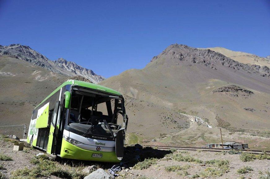 Argentinoje apvirto autobusas.