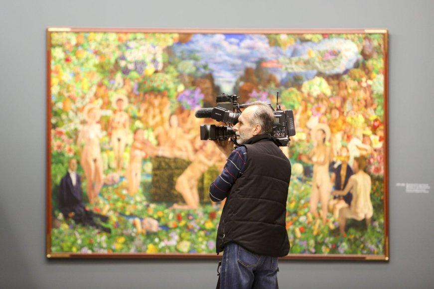 """Nacionalinėje dailės galerijoje atidaryta retrospektyvinė dailininko Šarūno Saukos paroda """"Žmogus su Saukos veidu"""""""