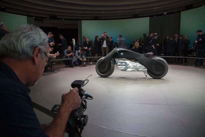 """BMW motociklas """"Motorrad Vision Next 100"""""""