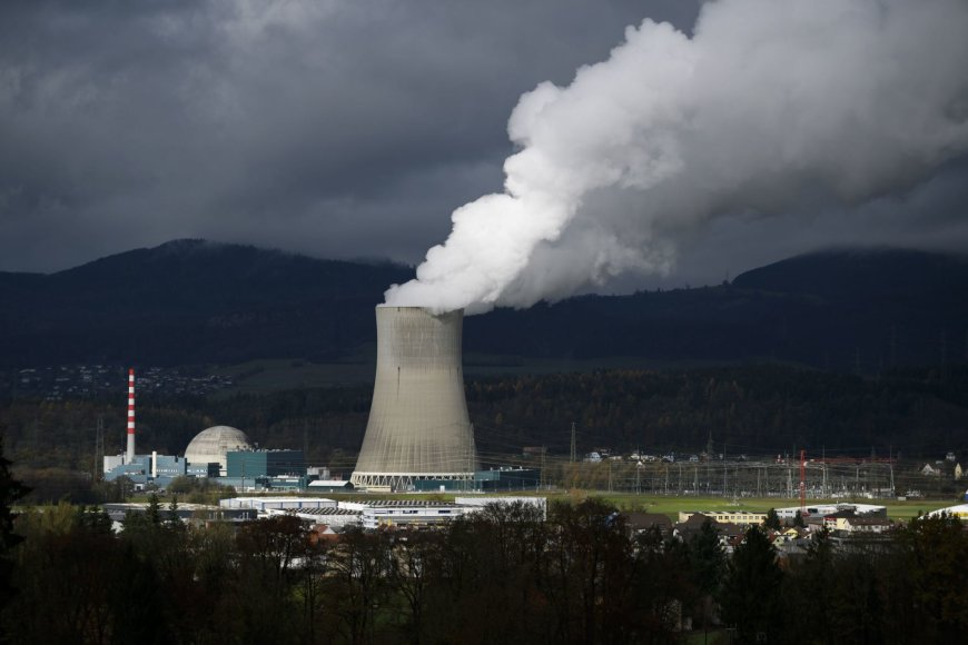 Šveicarai referendume sprendžia, ar atsisakyti branduolinės energijos.