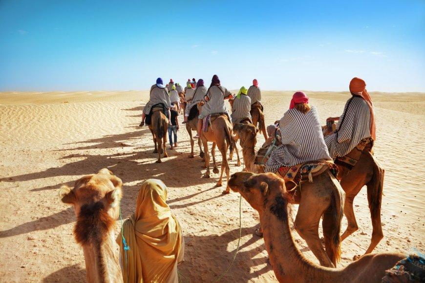 123rf.com nuotr./Turistai Sacharoje