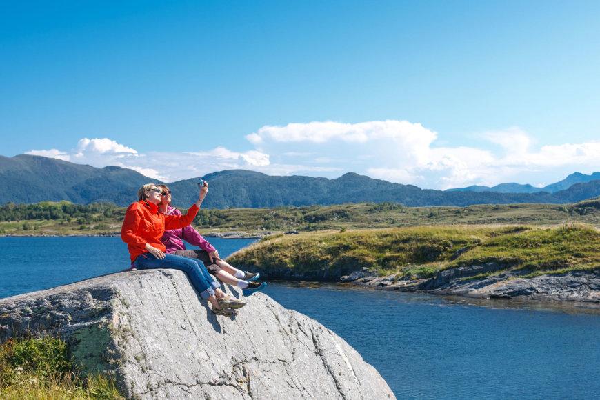 Moterys Norvegijoje darosi asmenukę