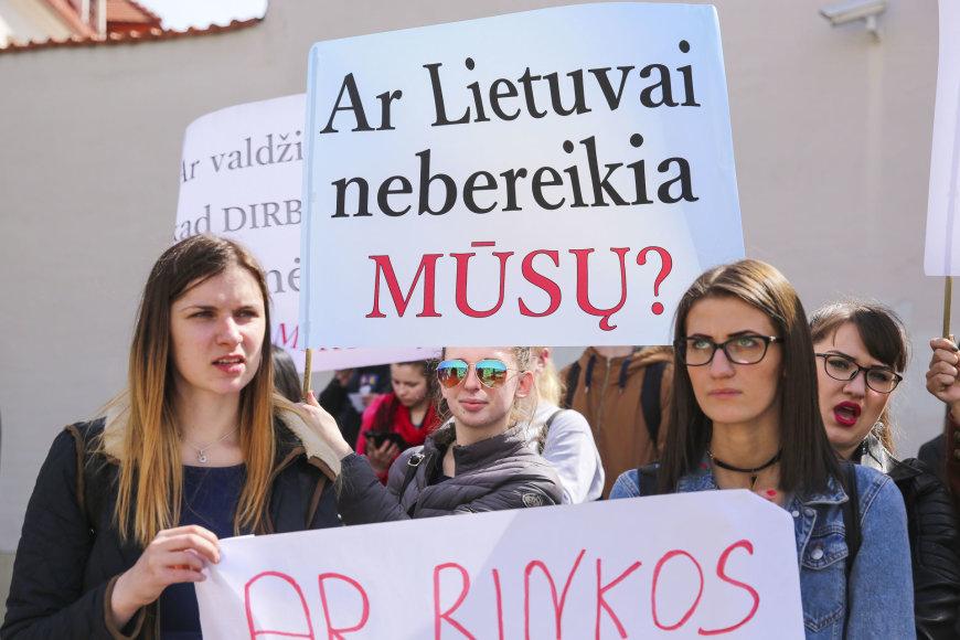 Lietuvos edukologijos universiteto studentai suorganizavo piketą.