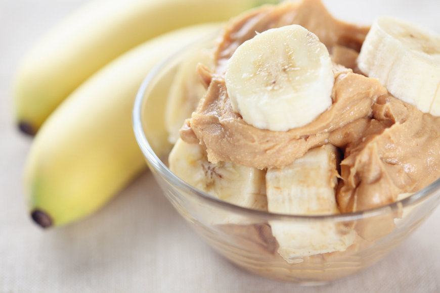 Bananai su riešutų sviestu