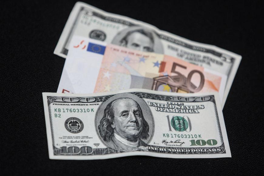 Jungtinių Valstijų doleriai ir Eurai