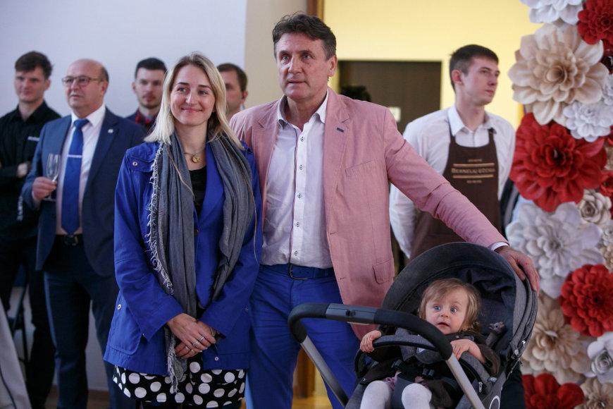 Valdemaras Chomičius su žmona Agne ir dukra Ieva Marija