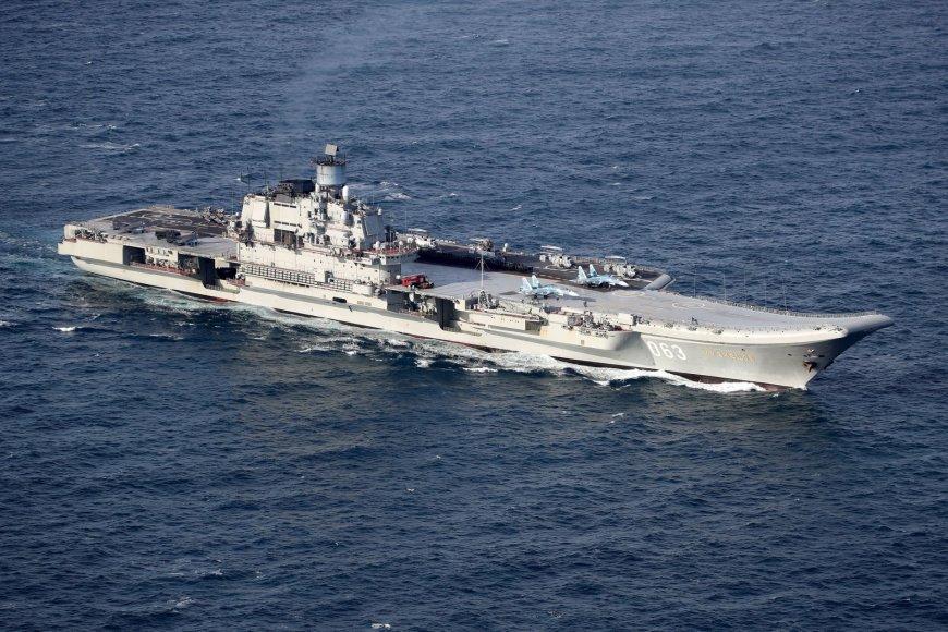 """Rusijos karo laivas """"Admirolas Kuznecovas"""""""