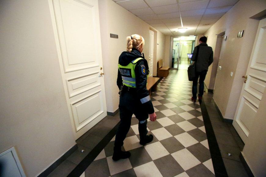 Gavus pranešimą apie neva užminuotą Vilniaus apygardos teismą buvo evakuotas pastatas