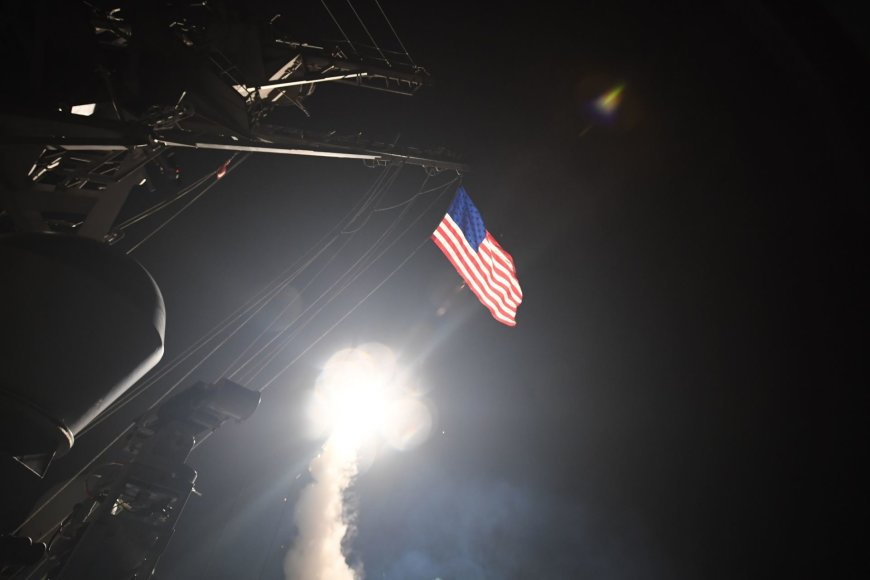 JAV smogė raketomis Sirijai
