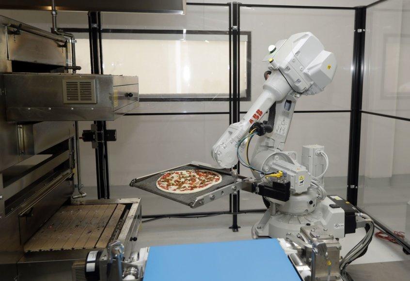 Picą gaminantis robotas