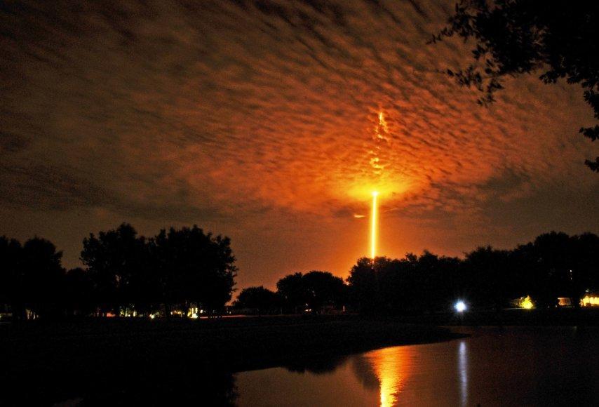"""Erdvėlaivio """"SpaceX Falcon 9"""" pakilimas Floridoje"""