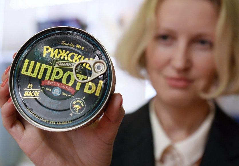 Latviškų šprotų pakuotė