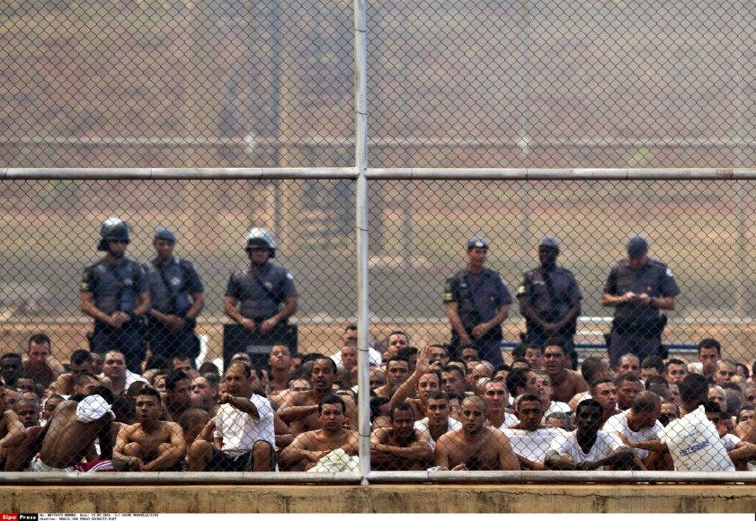 Kalėjime Brazilijoje kilo mirtinos riaušės