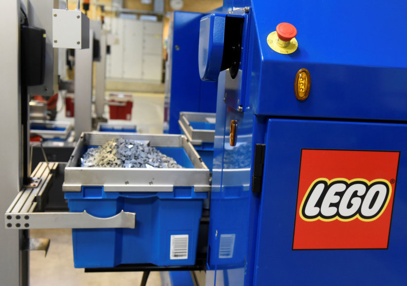 """""""Lego"""" kaladėlių gamybos įmonėje Danijos Bilundo mieste"""