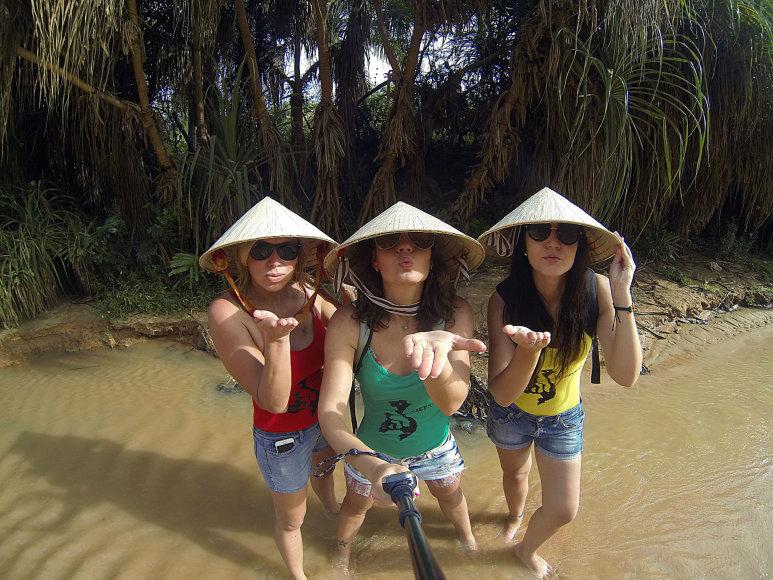 Liucija, Inga ir Kristina Vietname