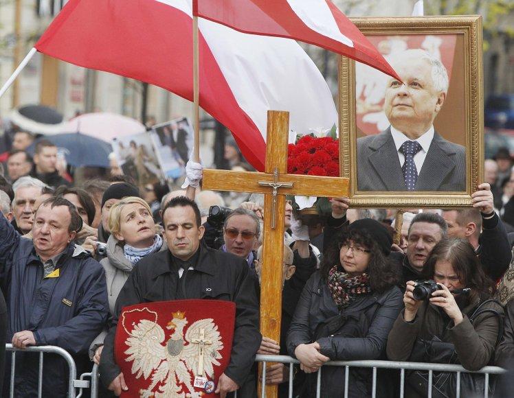 Lenkija mini Smolensko katastrofos metines.