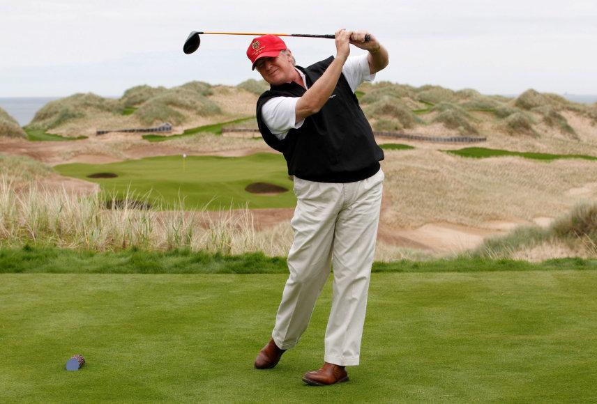 D.Trumpas golfo lauke