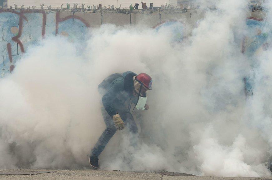 Venesueloje neslūgsta neramumai
