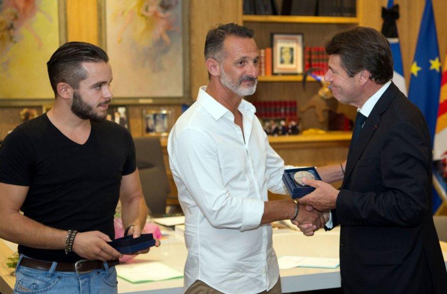 Nicos miesto medaliai įteikiami Gwenaëliui ir Franckui