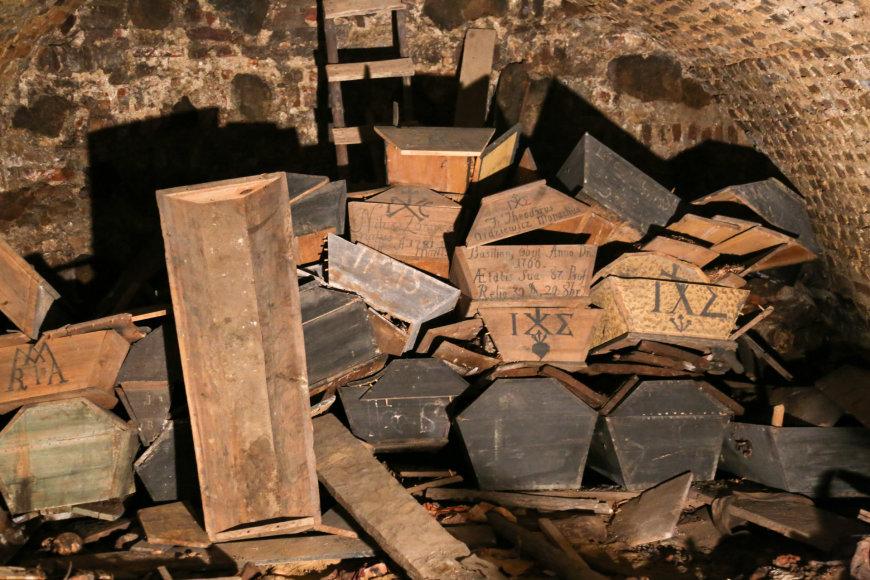 Švč. Trejybės bažnyčioje atrasta kripta su palaikais