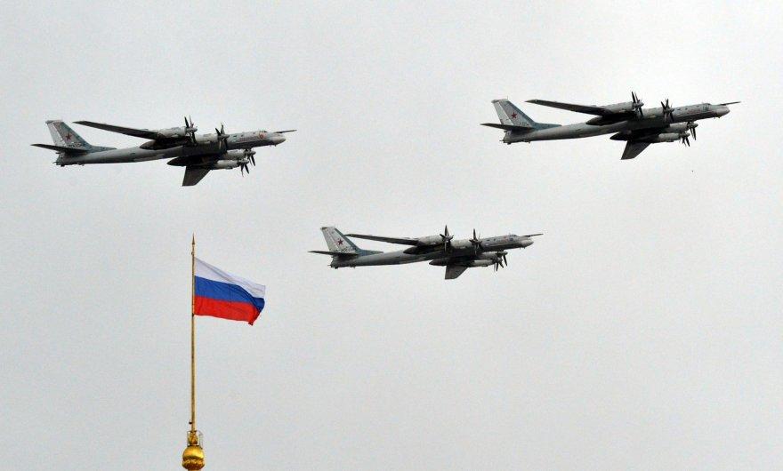 Tu-95 bombonešiai