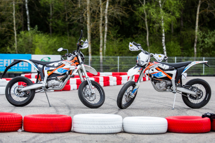 "Elektriniai ""KTM Freeride E-SM"" motociklai"