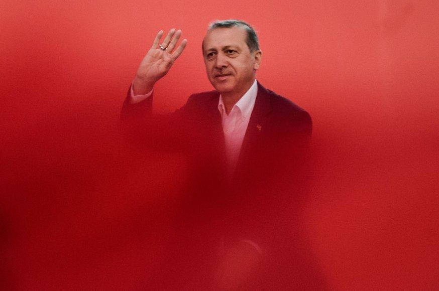 Recepas Tayyipas Erdoganas mitingo Stambule metu