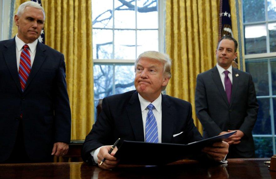 Pirmoji prezidento Donaldo Trumpo savaitė Baltuosiuose rūmuose