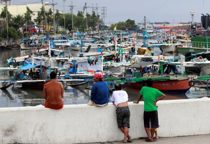 Filipinuose įtariami piratai užpuolė žvejus.