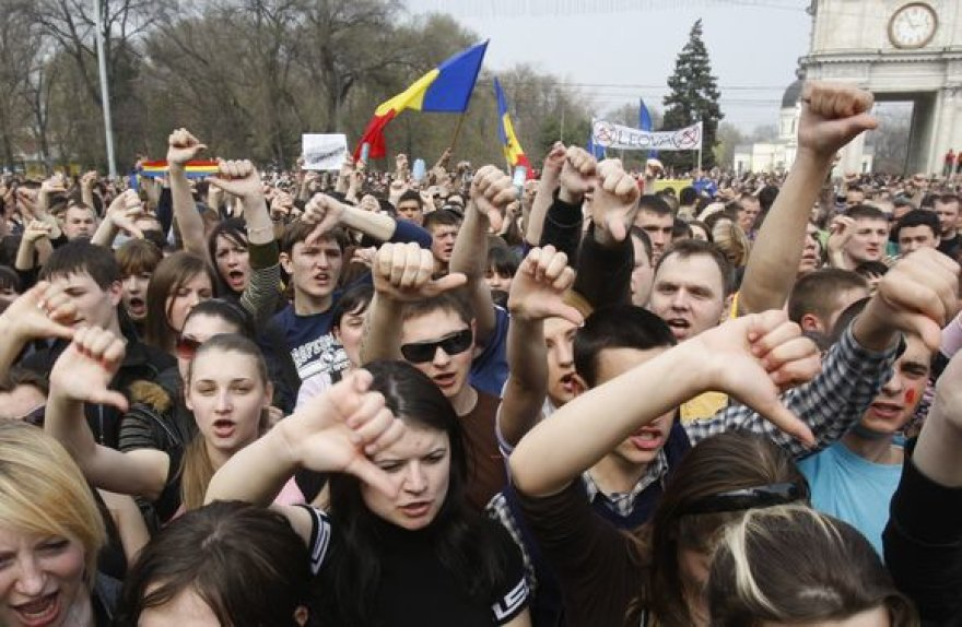 Nepatenkinti rinkimų rezultatais protestuotojai