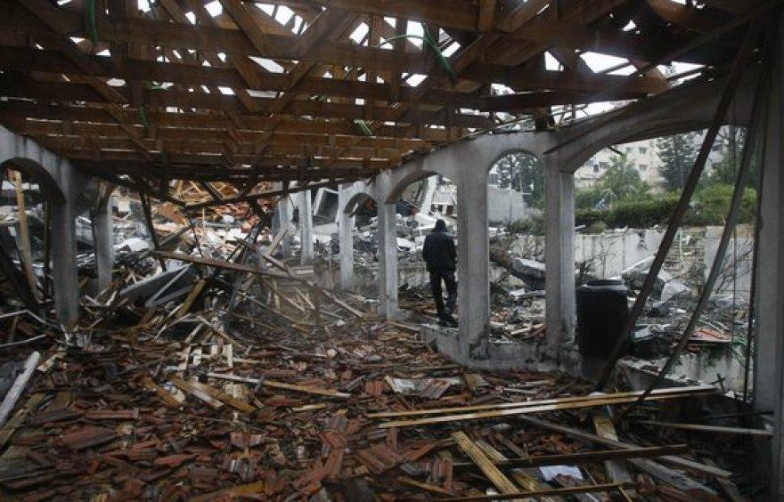 Sugriautas namas
