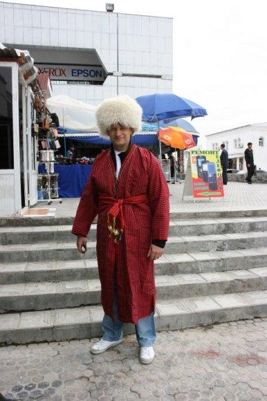 V.Milius Turkmėnijoje