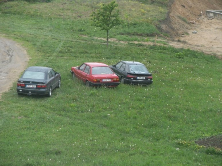 Automobiliai Vievyje, Ežero gatvėje