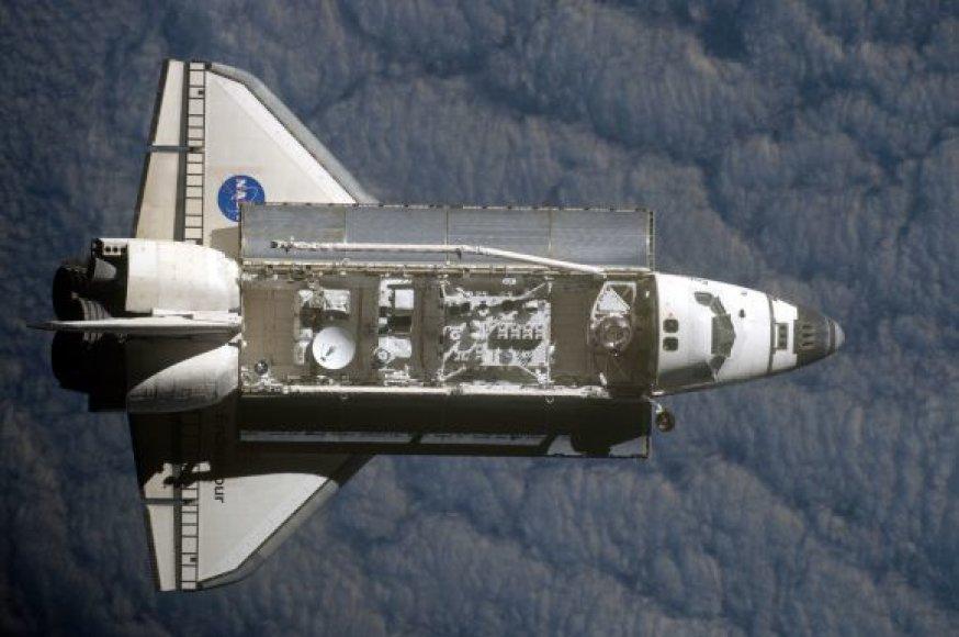 Endeavour, TKS ir pasivaikščiojimas atvirame kosmose