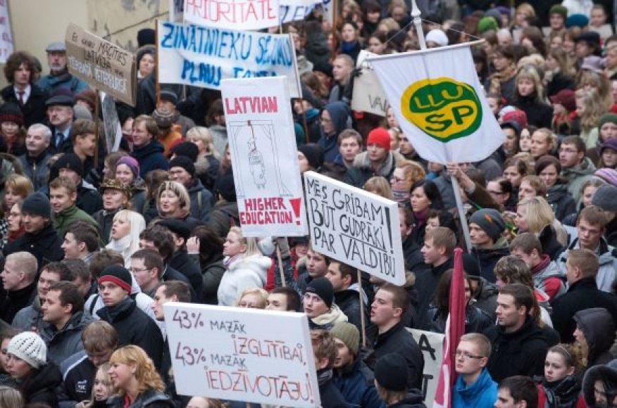 Protesto demonstracija Rygoje 2009 m. gruodžio pradžioje.